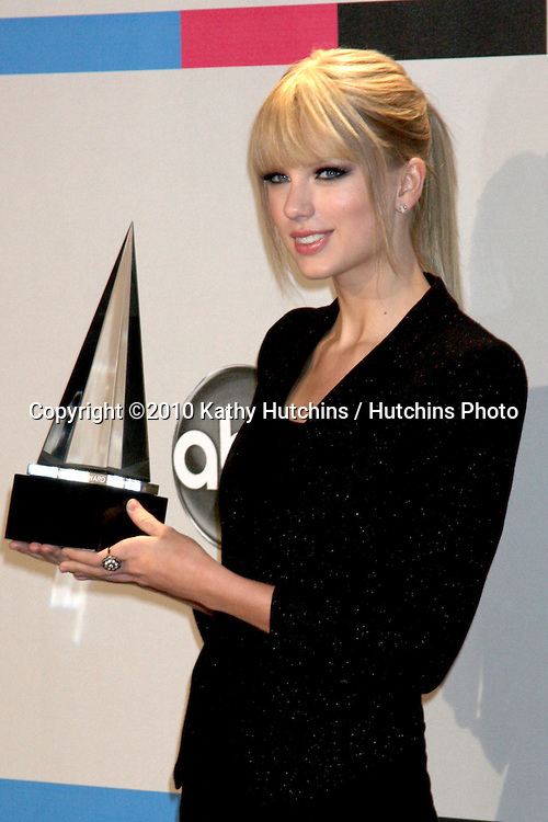 LOS ANGELES - NOV 21:  Taylor Swift in the Press Room of the 2010 American Music Awards at Nokia Theater on November 21, 2010 in Los Angeles, CA