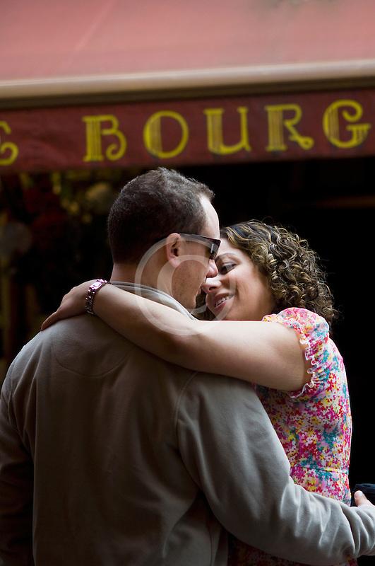 Belgium, Brussels, Romantic couple in street