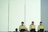 SIGNAL/MUTEK 2000/CAROLINE HAYEUR