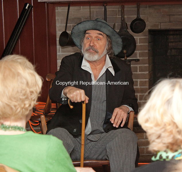 WOODBURY CT-NOVEMBER 13 2013 111313DA01- An American poet, essayist and journalist, Walt Whitman portrayed by Actor Stephen Collins performs during a program at the Curtis House in Woodbury<br /> Darlene Douty Republican American