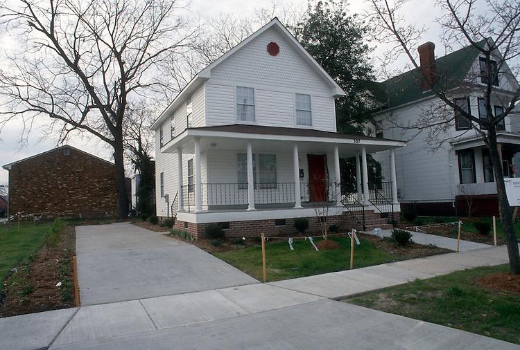 1993 December 17..Conservation.Park Place..HABITAT HOUSE.307 WEST 31ST STREET...NEG#.NRHA#..