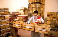 Imballaggio  di Frutta biologica.MUSTIOLA INTERNATIONAL SRL.Indirizzo.Via Ravennate 801 .NAP.47023 .Citta.CESENA .Regione.EMILIA ROMAGNA - Forli .www.mustiola.it