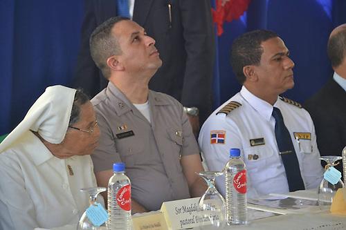General Orison Olivence Minaya (centro)