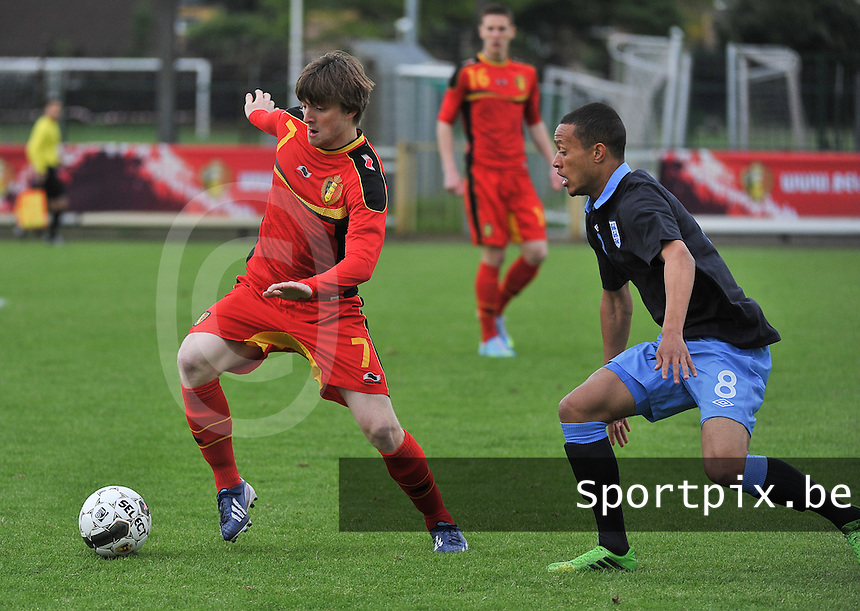 Belgium U19 - England U19 : Lewis Baker (8) and Thomas Foket (7).foto DAVID CATRY / Nikonpro.be