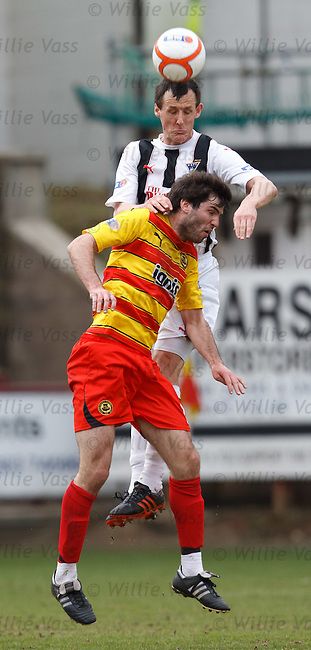 Alex Keddie rises above Martin Grehan