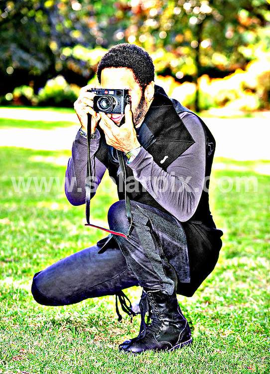 **ALL ROUND PICTURES FROM SOLARPIX.COM**.**WORLDWIDE SYNDICATION RIGHTS**.American singing star Lenny Kravitz in London today before he embarks on his UK leg of his European tour. Lenny is celebrating 20 years in the music industry...This pic:Lenny Kravitz..JOB REF:9324      STN     DATE:24.06.09.**MUST CREDIT SOLARPIX.COM OR DOUBLE FEE WILL BE CHARGED**.**ONLINE USAGE FEE GBP 50.00 PER PICTURE - NOTIFICATION OF USAGE TO PHOTO @ SOLARPIX.COM**.**CALL SOLARPIX : +34 952 811 768 or LOW RATE FROM UK 0844 617 7637**
