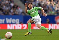 FUSSBALL   1. BUNDESLIGA   SAISON 2012/2013    32. SPIELTAG Hamburger SV - VfL Wolfsburg          05.05.2013 Diego (VfL Wolfsburg) am Ball
