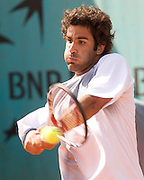 Maximo Gonzalez (ARG) against Mardy Fish (USA) (22) in the first round of the Men's Singles. Gonzalez beat Fish 6-3 1-6 6-4 7-6 ..Tennis - French Open - Day 3 - Tues 26th May 2009 - Roland Garros - Paris - France..Frey Images, Barry House, 20-22 Worple Road, London, SW19 4DH.Tel - +44 20 8947 0100.Cell - +44 7843 383 012