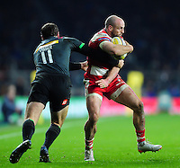 Charlie Sharples of Gloucester Rugby is tackled by Tim Visser of Harlequins. Aviva Premiership match, between Harlequins and Gloucester Rugby on December 27, 2016 at Twickenham Stadium in London, England. Photo by: Patrick Khachfe / JMP