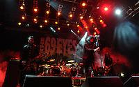 """WGT 2013 - Auftritt der Band """"The 69 Eyes"""" - eine finnische Sleaze- und Garage-Rock-Band mit Einflüssen aus Metal und Gothic Rock - - Frontman Jyrki 69 (Jyrki Pekka Emil Linnankivi) . Foto: Norman Rembarz"""