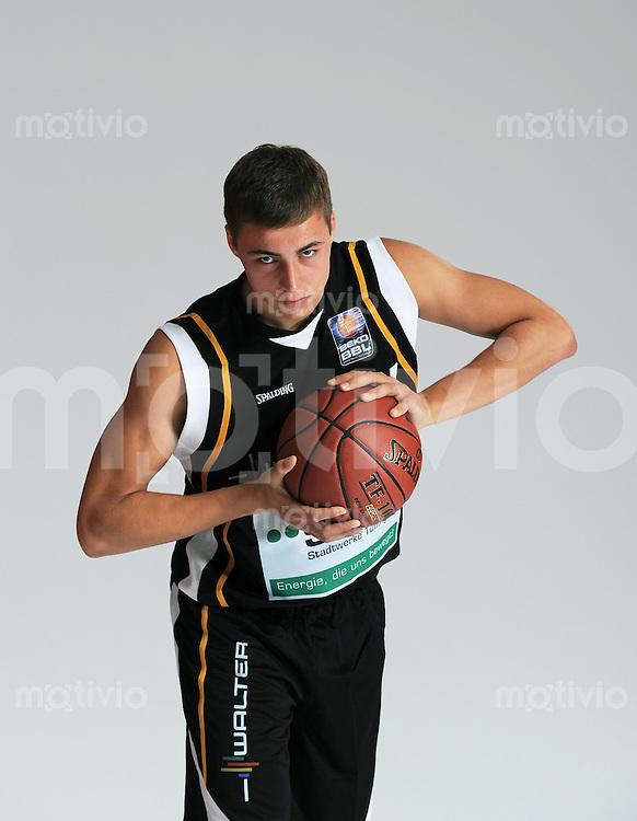 1. Basketball Bundesliga 2011/2012  21.08.2010 Walter Tigers Tuebingen   Julian Albus (Tigers)