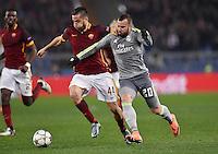 FUSSBALL CHAMPIONS LEAGUE  SAISON 2015/2016 ACHTELFINAL HINSPIEL AS Rom - Real Madrid                 17.02.2016 Jese Rodriguez Ruiz (re, Real Madrid) gegen Kostas Manolas (AS Rom)