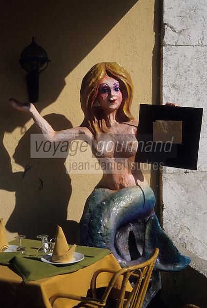 Europe/France/Provence-Alpes-Côtes d'Azur/06/Alpes-Maritimes/Nice : Promenade des Anglais - Sirène de carnaval porte-menu