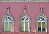 Ornamente an einem historischen Haus in der Altstadt /  Ornaments on a historical house in the old town