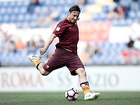 Calcio, Serie A: Roma, stadio Olimpico, 14 aprile 2017.<br /> Roma's Francesco Totti in action during the Italian Serie A football match between Roma and Atalanta at Rome's Olympic stadium, April 14, 2017.<br /> UPDATE IMAGES PRESS/Isabella Bonotto