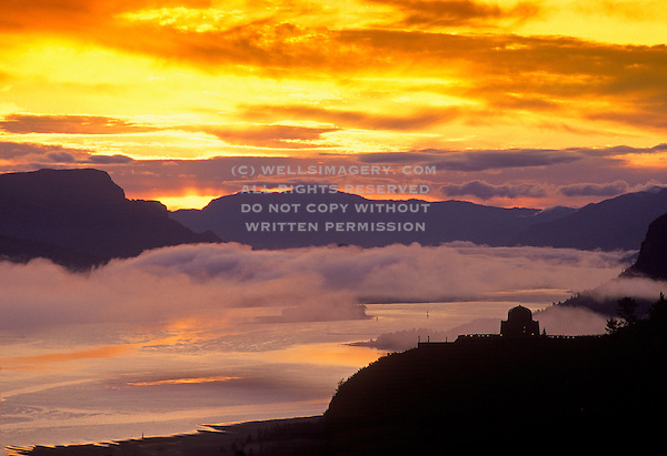 The columbia river gorge at sunrise oregon pacific northwest