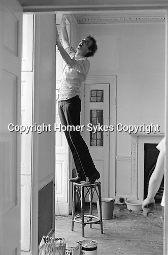 Patrick Procktor artist London 1969 PP decorating his Manchester Street flat, helping him out of shot is Mo McDermott.