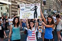 Manifestazione per chiudere Green Hill