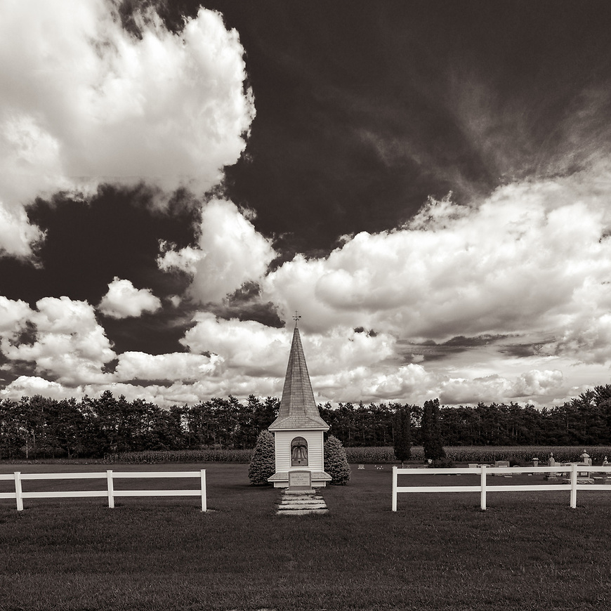 STEEPLE CHASE #blackandwhite #black&white #monochrome #wisconsin #midwestmemoir #fence #clouds #landscape