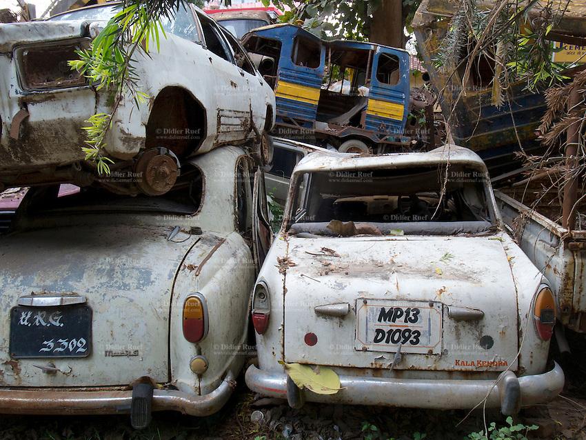 0303-India-Allahabad-Scrapyard-Waste-Pol