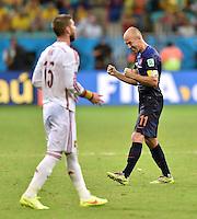 FUSSBALL WM 2014  VORRUNDE    Gruppe B     Spanien - Niederlande                13.06.2014 Arjen Robben (re, Niederlande) jubelt nach dem Abpfiff