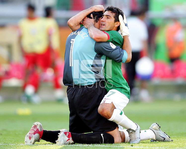 Oswaldo Sanchez Mexico Mexico Goalkeeper Oswaldo