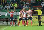 Después de un mal primer tiempo y en el que se vaticinaba una paliza, Atlético Junior reaccionó en el Atanasio Girardot y le sacó del bolsillo los 3 puntos a Nacional al empatar a 2 goles, este sábado por la noche en partido de la fecha 16 del Torneo Apertura Colombiano 2015.