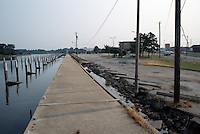 1989 August ..Conservation.Colonial Place-Riverview..Yacht Club South property line...NEG#.NRHA#..