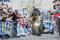 60 kilometers in the attack, Philippe Gilbert (BEL/Quick Step floors) solo's towards the finish in Oudenaarde; a truly epic effort (here solo up the Oude Kwaremont)<br /> <br /> 101th Ronde Van Vlaanderen 2017 (1.UWT)<br /> 1day race: Antwerp &rsaquo; Oudenaarde - BEL (260km)