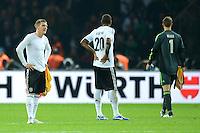 Fussball International  WM Qualifikation 2014   16.10.2012 Deutschland - Schweden Enttaeuschung Bastian Schweinsteiger, Jerome Boateng und Torwart Manuel Neuer  (v. li., Deutschland)
