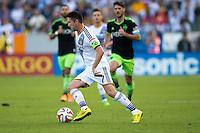 Carson, California - Sunday, November 23, 2014: The LA Galaxy defeated Seattle Sounders FC 1-0 to win the 1st leg of the Western Conference finals in Major League Soccer (MLS) play at StubHub Center stadium.