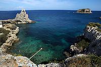Isola di Pianosa. Pianosa Island. Il Marzocco. L' isolotto della Scola.La costa.