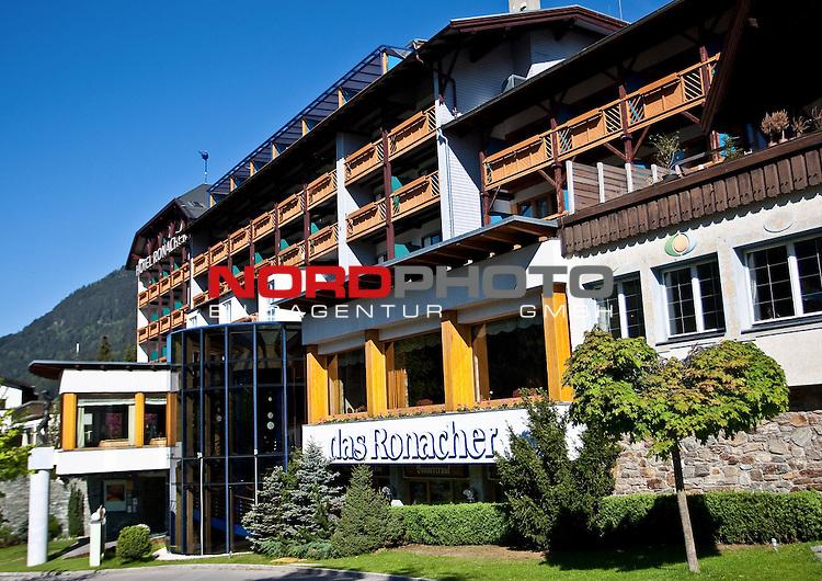24.05.2010, Sportarena, Bad Kleinkirchheim, AUT, FIFA Worldcup Vorbereitung, Slowakei Training im Bild das Teamhotel der Slowaken, das Hotel Ronacher in Bad Kleinkirchheim,  Foto: nph /  J. Feichter *** Local Caption *** Fotos sind ohne vorherigen schriftliche Zustimmung ausschliesslich f&uuml;r redaktionelle Publikationszwecke zu verwenden.<br /> <br /> Auf Anfrage in hoeherer Qualitaet/Aufloesung