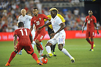 Kansas City, Kansas - Monday, July 13, 2015: The US Men's National team draw with Panama 1-1 to finish group play in the 2015 Gold Cup at Sporting Park.