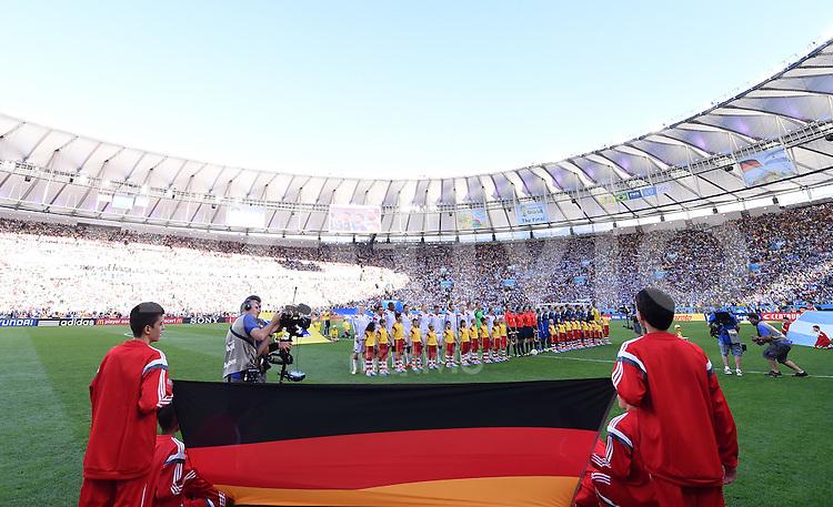 FUSSBALL WM 2014                FINALE Deutschland - Argentinien     13.07.2014 Fahne, Mannschaft Maracana