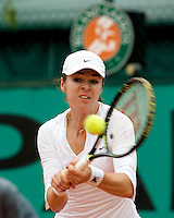Galina Voskoboeva (KAZ) against Sania Mirza (IND) in the first round of the Women's Singles. Voskoboeva beat Mirza 6-4 7-6 ..Tennis - French Open - Day 3 - Tues 26th May 2009 - Roland Garros - Paris - France..Frey Images, Barry House, 20-22 Worple Road, London, SW19 4DH.Tel - +44 20 8947 0100.Cell - +44 7843 383 012