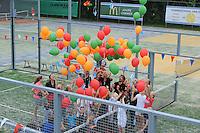 TENNIS: JOURE: 25-06-2016, TV Joure  Opening Playground/Padelbaan, bekende tennisser John van Lottum opende de baan samen met de jeugd van de vereniging die ballonnen op lieten stijgen, ©foto Martin de Jong