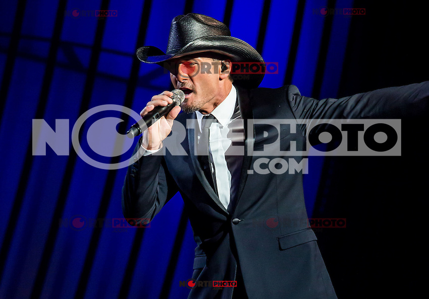 LAS VEGAS, NV - December 8: Tim McGraw & Faith Hill premiere 'Soul2Soul' residency show at The Venetian on December 8, 2012 in Las Vegas, Nevada  Credit: Kabik/Starlitepics/MediaPunch Inc. ***HOUSE COVERAGE*** NortePhoto /NortePhoto© /NortePhoto /NortePhoto