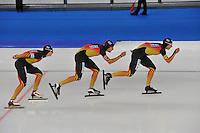 SCHAATSEN: BERLIJN: Sportforum, 07-12-2013, Essent ISU World Cup, Team Pursuit, Patrick Beckert, Aleksej Baumgärtner, Robert Lehmann (GER), ©foto Martin de Jong
