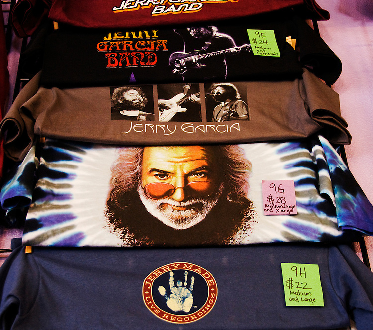 California, San Francisco: Jerry Garcia T-shirts for sale in the Haight-Ashbury..Photo #: 28-casanf79204.Photo © Lee Foster 2008