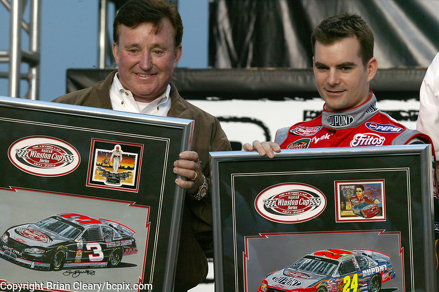 Richard Childress, Jeff Gordon, UAW-GM Quality 500, Charlotte Motor Speedway, Charlotte, NC, October 11, 2003.  (Photo by Brian Cleary/bcpix.com)