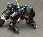 1. Inline Downhill Weltmeisterschaft, Zell am See (Austria) Jean Blondeau (Frankreich) Vollkoerperanzug mit Rollen, das Insekt