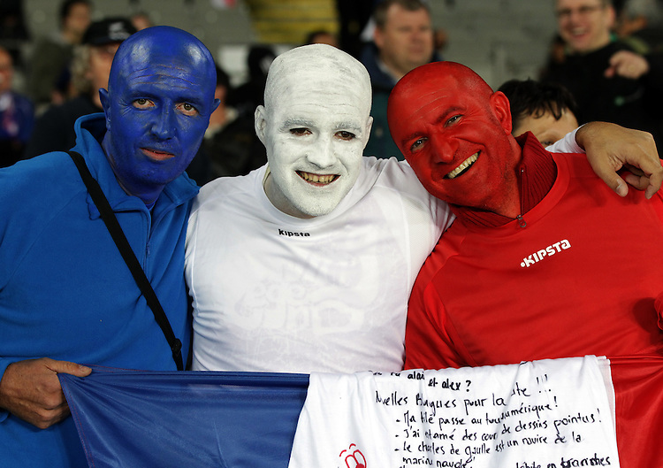 Supporters await the England versus France quarter-final 2 match of the Rugby World Cup 2011, Eden Park, Auckland, New Zealand, Saturday, October 08, 2011.  Credit:SNPA / David Rowland