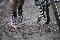 muddy fluo-camou shoes at work<br /> <br /> UCI Cyclocross World Cup Namur/Belgium 2016
