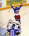 2010 OHL Playoffs - 2010-04-20 Windsor at Kitchener G4