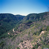 Highway 89A winds through Oak Creek Canyon and Coconino National Forest near Sedona, Arizona, USA