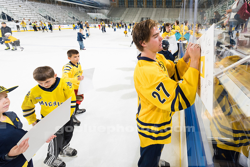 10/04/15   The University of Michigan mens hockey team,8-1, victory over Toronto at Yost Ice Arena  in Ann Arbor, Michigan.