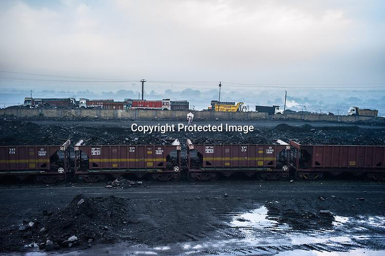 Sdas20121013 jharia coal india 211 jpg sanjit das for Depot laden
