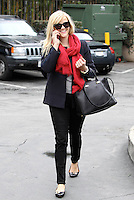 Reese Witherspoon out and about in Brentwood - Los Angeles