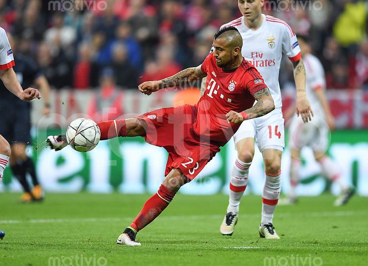 FUSSBALL CHAMPIONS LEAGUE  SAISON 2015/2016 VIERTELFINALE HINSPIEL FC Bayern Muenchen - Benfica Lissabon         05.04.2016 Arturo Vidal (FC Bayern Muenchen)